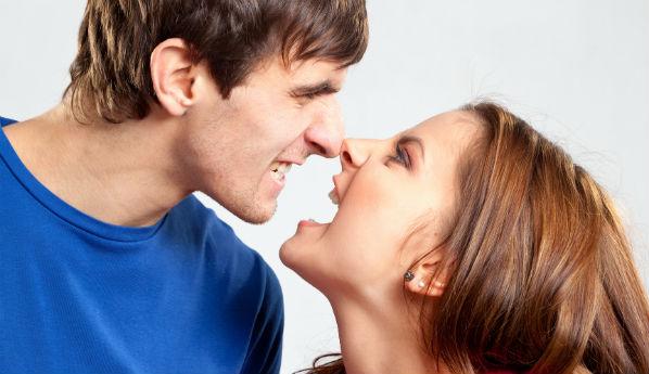 Что делать с агрессивной девушкой