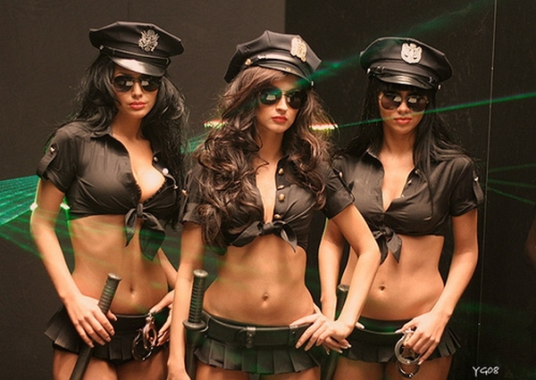фото в чулках девушек из группы горячий шоколад